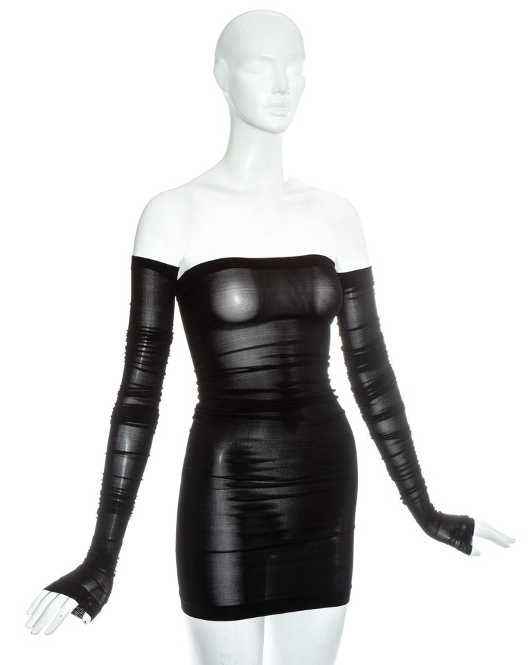 Dolce & Gabbana black spandex figure hugging mini dress and sleeves, ss 2003 In Excellent Condition For Sale In London, GB