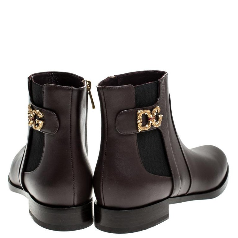 Dolce & Gabbana Brown Leather Logo Detail Ankle Boots Size 39 In New Condition In Dubai, Al Qouz 2
