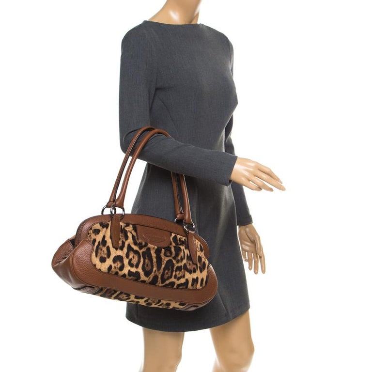Dolce & Gabbana Brown Leopard Print Fabric and Leather Animalier Zip Satchel In Good Condition For Sale In Dubai, Al Qouz 2