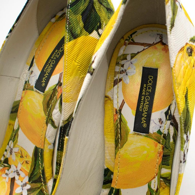 Dolce & Gabbana Crystal Embellished Lemon Pumps 39 For Sale 5