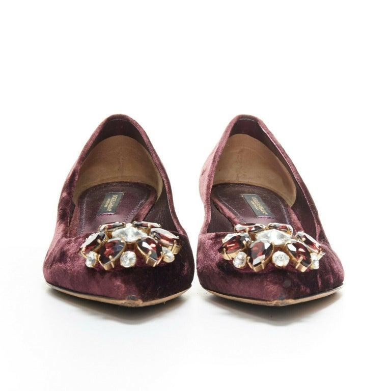 DOLCE & GABBANA embellished purple velvet crystal toe kitten heel pumps EU36.5 In Good Condition For Sale In Hong Kong, NT