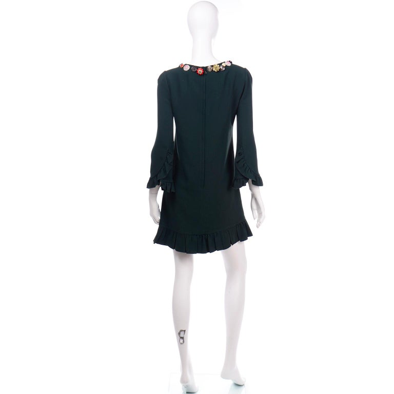 Dolce & Gabbana Green Ruffled Dress With Decorative Button Trim In Excellent Condition For Sale In Portland, OR