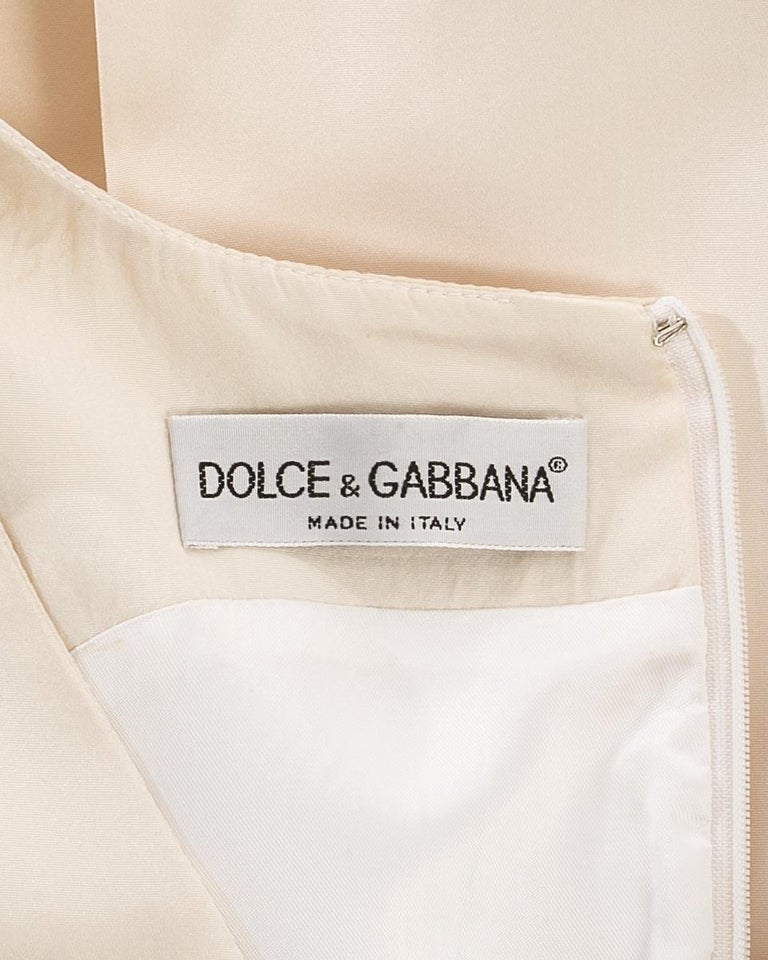 Dolce & Gabbana ivory silk fishtail wedding dress with large bow, c. 1990s For Sale 2
