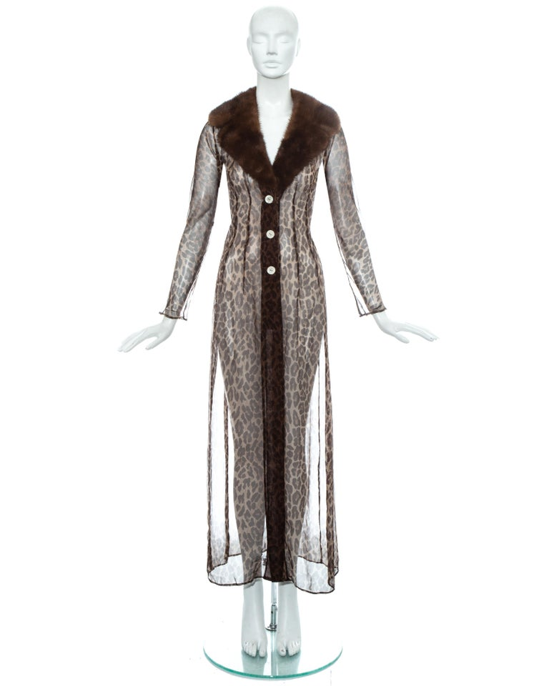 Dolce & Gabbana leopard print silk chiffon coat with mink fur collar, ss 1997 In Good Condition For Sale In London, GB