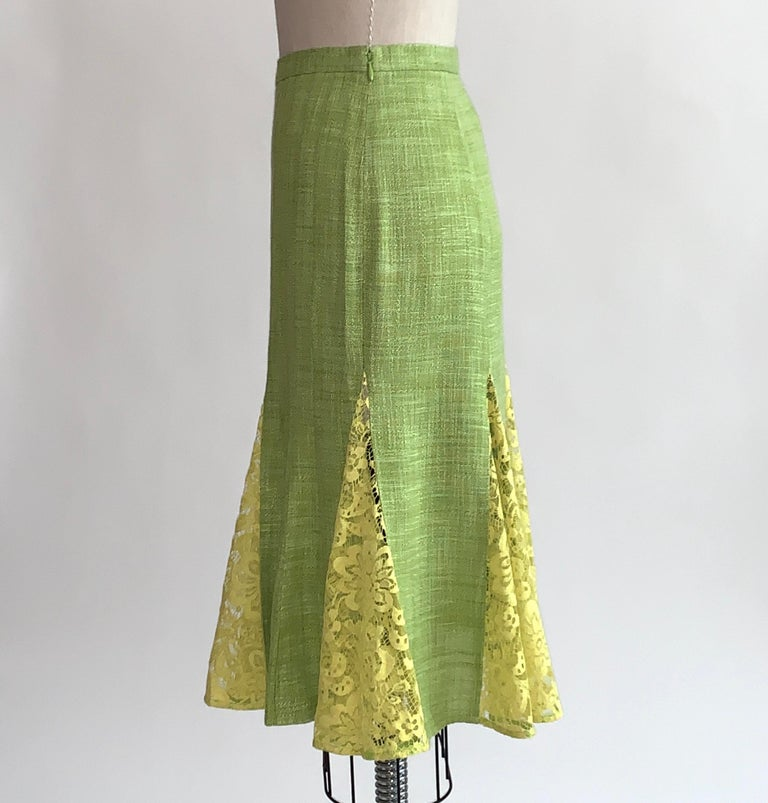 Dolce & Gabbana Lime Green Flared Pencil Skirt with Yellow Lace Accents In Excellent Condition For Sale In San Francisco, CA
