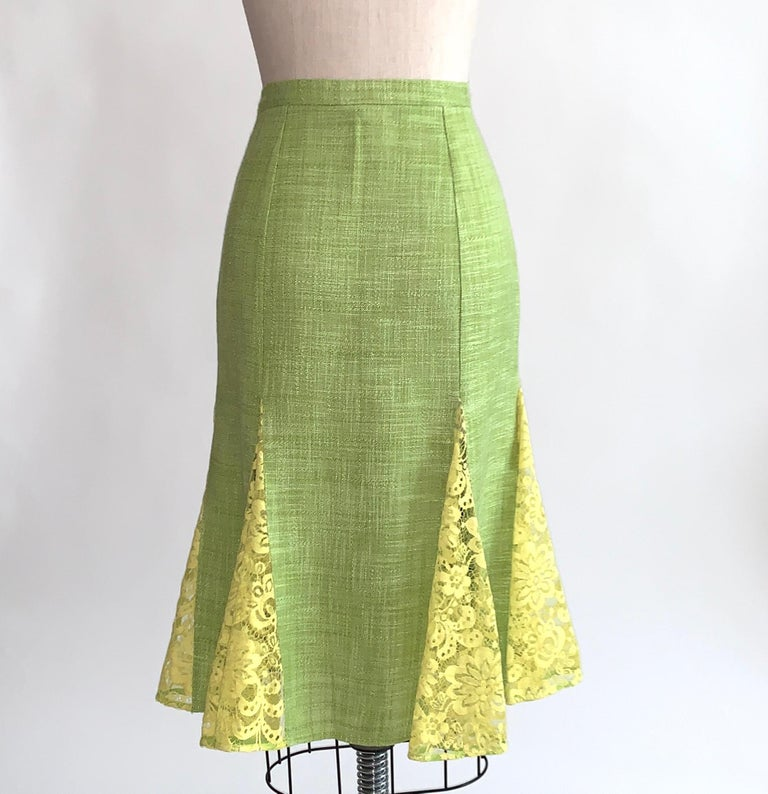 Women's Dolce & Gabbana Lime Green Flared Pencil Skirt with Yellow Lace Accents For Sale