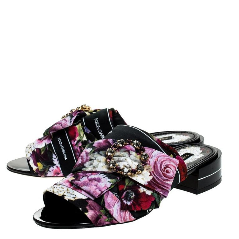 Dolce & Gabbana Multicolor Floral Printed Crystal Bow Open Toe Mules Size 39 For Sale 2