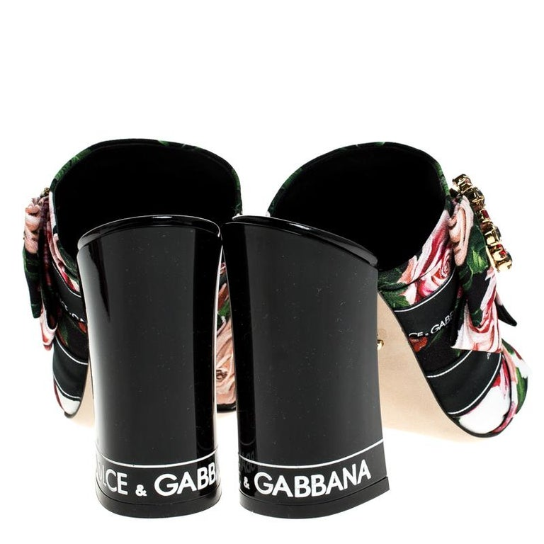 Dolce & Gabbana Multicolored Charmeuse Printed Bejeweled Buckle Mules Size 40 In New Condition For Sale In Dubai, Al Qouz 2