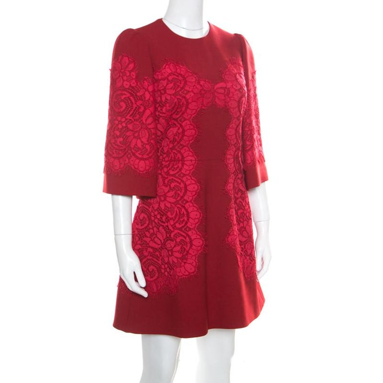 Dolce & Gabbana Red Floral Lace Applique Detail Fit and Flare Dress S In Good Condition For Sale In Dubai, Al Qouz 2