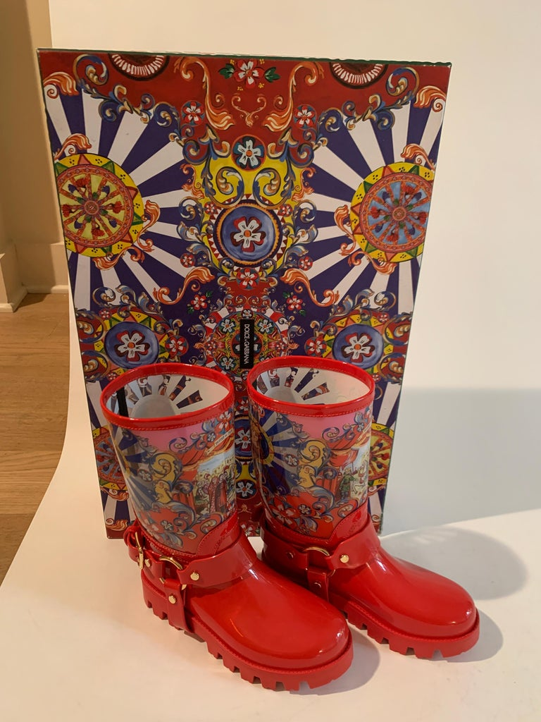 Dolce & Gabbana Red Italian Theatre Print Rainboots Wellies Galoshes For Sale 7