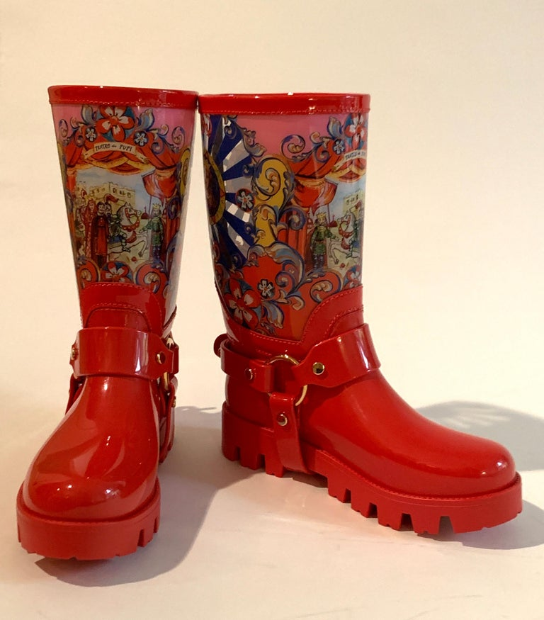Dolce & Gabbana Red Italian Theatre Print Rainboots Wellies Galoshes For Sale 1