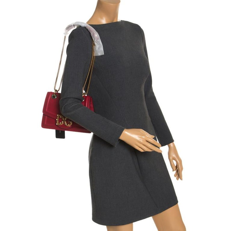 Dolce & Gabbana Red Leather DG Amore Chain Shoulder Bag In New Condition For Sale In Dubai, Al Qouz 2