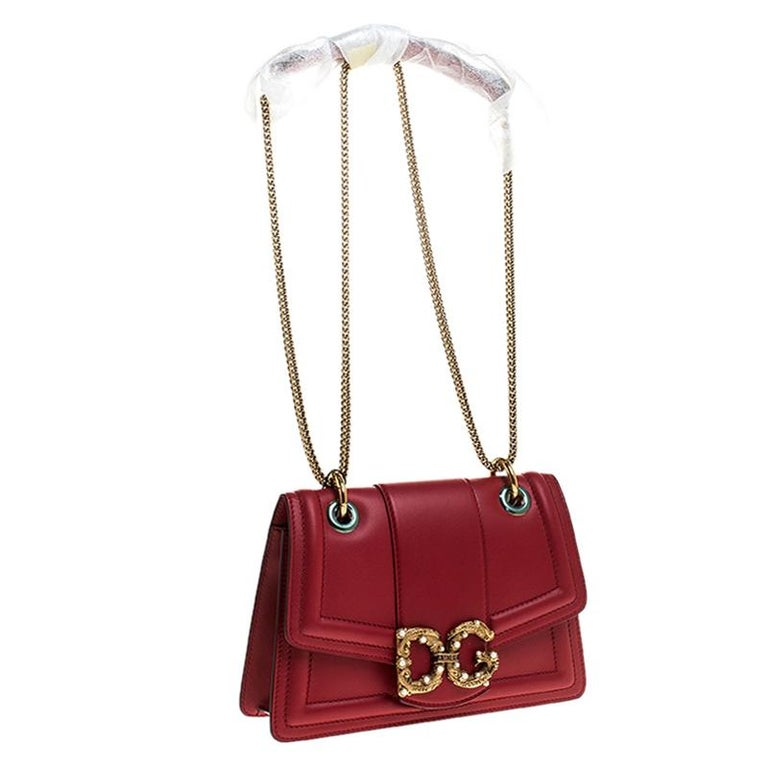 Women's Dolce & Gabbana Red Leather DG Amore Chain Shoulder Bag For Sale
