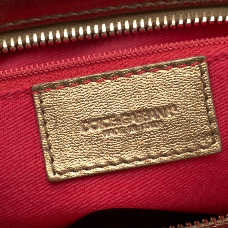 Dolce & Gabbana Royal Blue Embroidered Velvet Frame Shoulder Bag For Sale 6