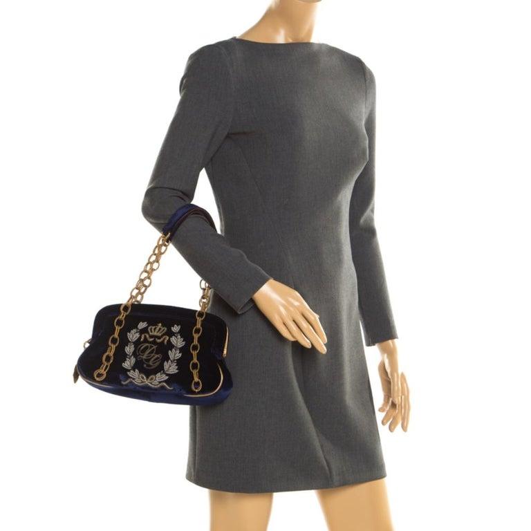Dolce & Gabbana Royal Blue Embroidered Velvet Frame Shoulder Bag In Good Condition For Sale In Dubai, Al Qouz 2