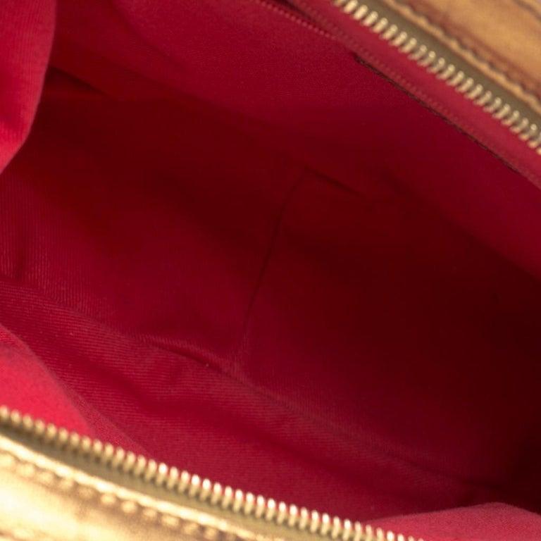 Dolce & Gabbana Royal Blue Embroidered Velvet Frame Shoulder Bag For Sale 2