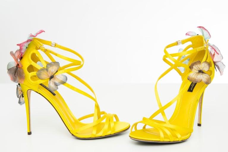 Dolce & Gabbana Runway Yellow Silk Satin Butterfly Appliqué Sandals, Spring 1998 For Sale 6