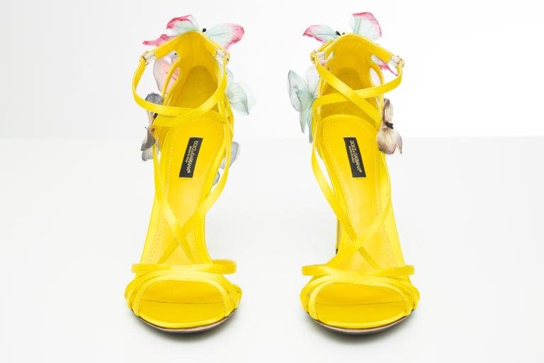 Dolce & Gabbana Runway Yellow Silk Satin Butterfly Appliqué Sandals, Spring 1998 For Sale 7