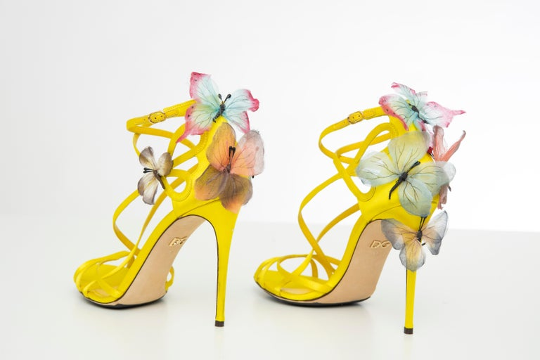 Dolce & Gabbana Runway Yellow Silk Satin Butterfly Appliqué Sandals, Spring 1998 For Sale 11