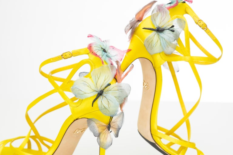Dolce & Gabbana Runway Yellow Silk Satin Butterfly Appliqué Sandals, Spring 1998 For Sale 15