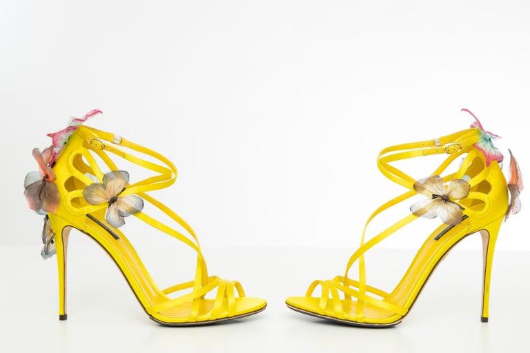 Dolce & Gabbana Runway Yellow Silk Satin Butterfly Appliqué Sandals, Spring 1998 For Sale 5