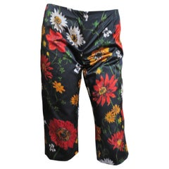 Dolce & Gabbana Silk Flower Shorts Pants