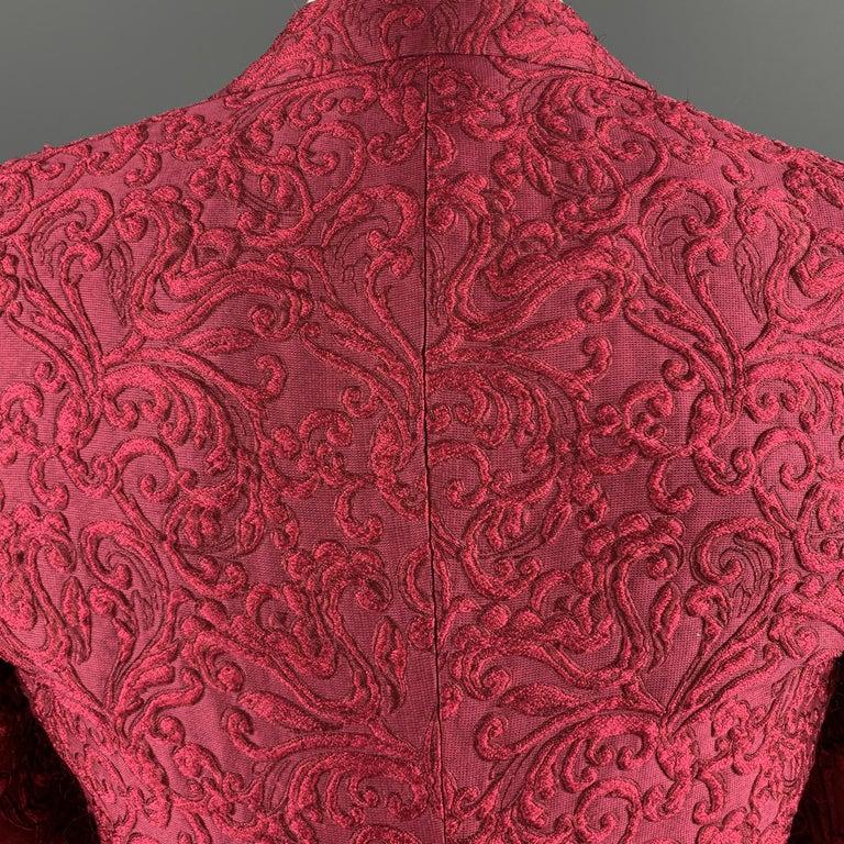 DOLCE & GABBANA Size 36 Raspberry Pink Brocade 3 Piece Peak Lapel Suit For Sale 1