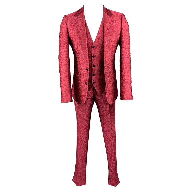 DOLCE & GABBANA Size 36 Raspberry Pink Brocade 3 Piece Peak Lapel Suit For Sale