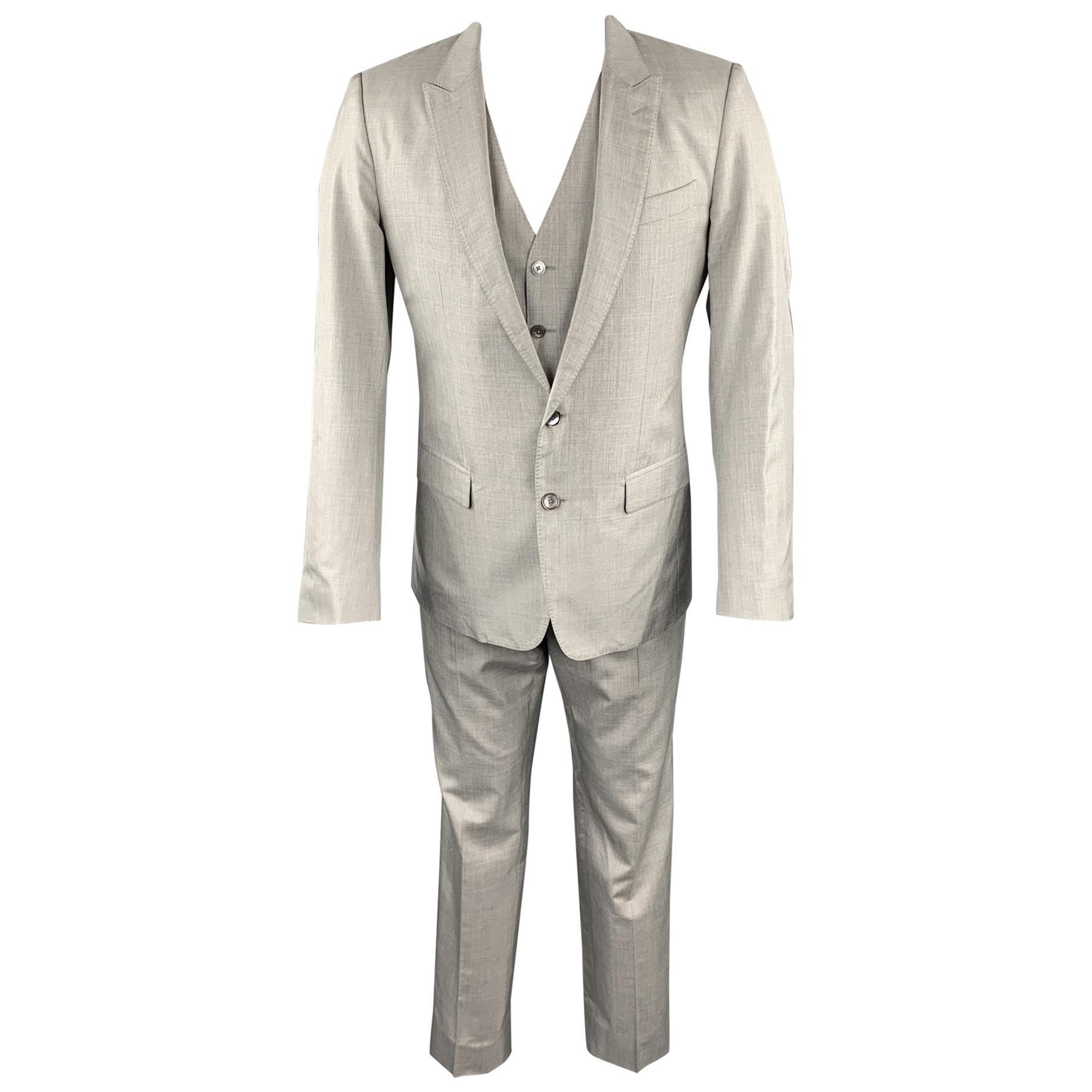 DOLCE & GABBANA Size 38 Regular Light Grey Silk Peak Lapel Suit
