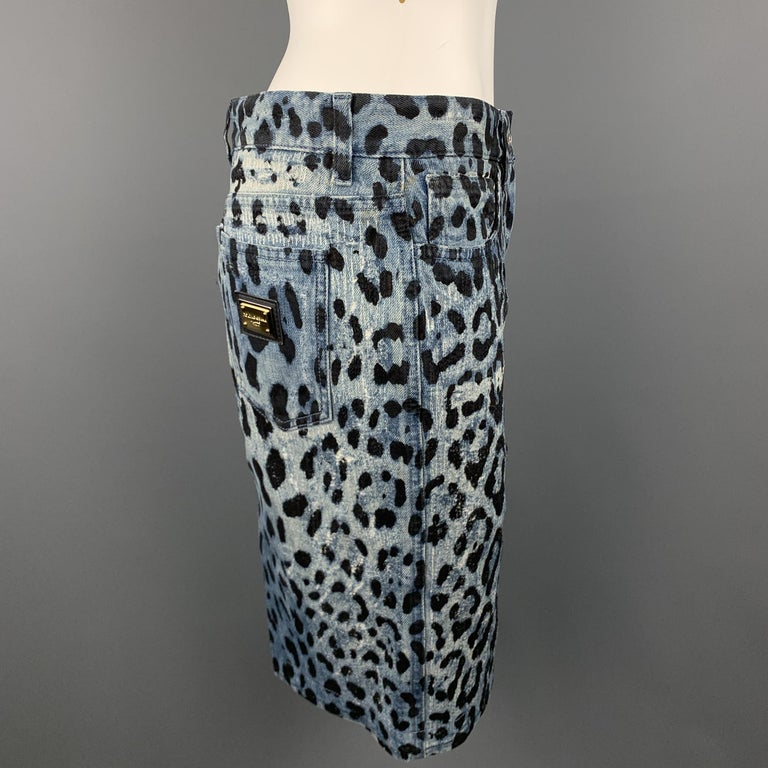 DOLCE & GABBANA Size 6 Blue Leopard Print Distressed Denim Pencil Skirt For Sale 1