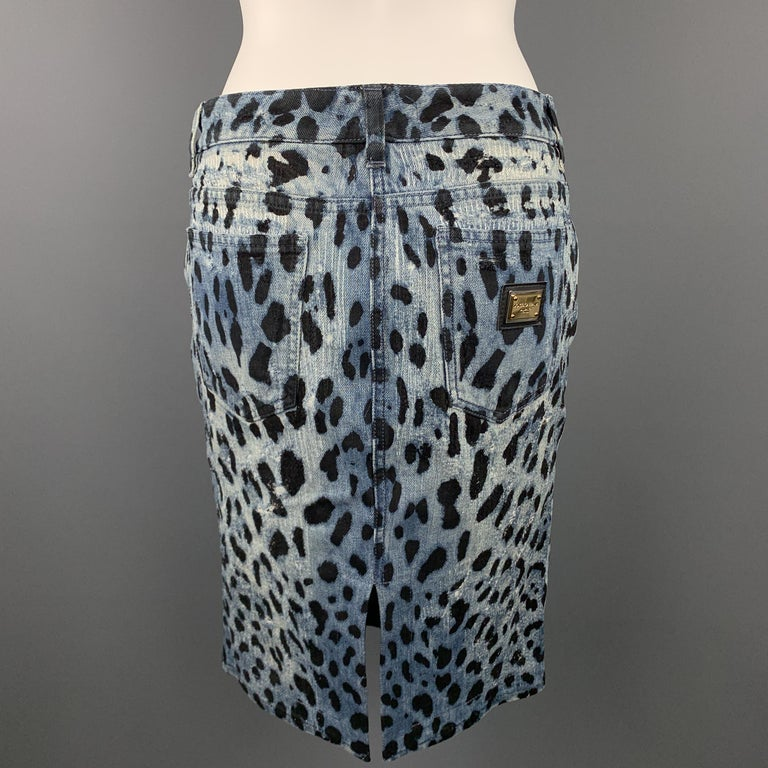 DOLCE & GABBANA Size 6 Blue Leopard Print Distressed Denim Pencil Skirt For Sale 2