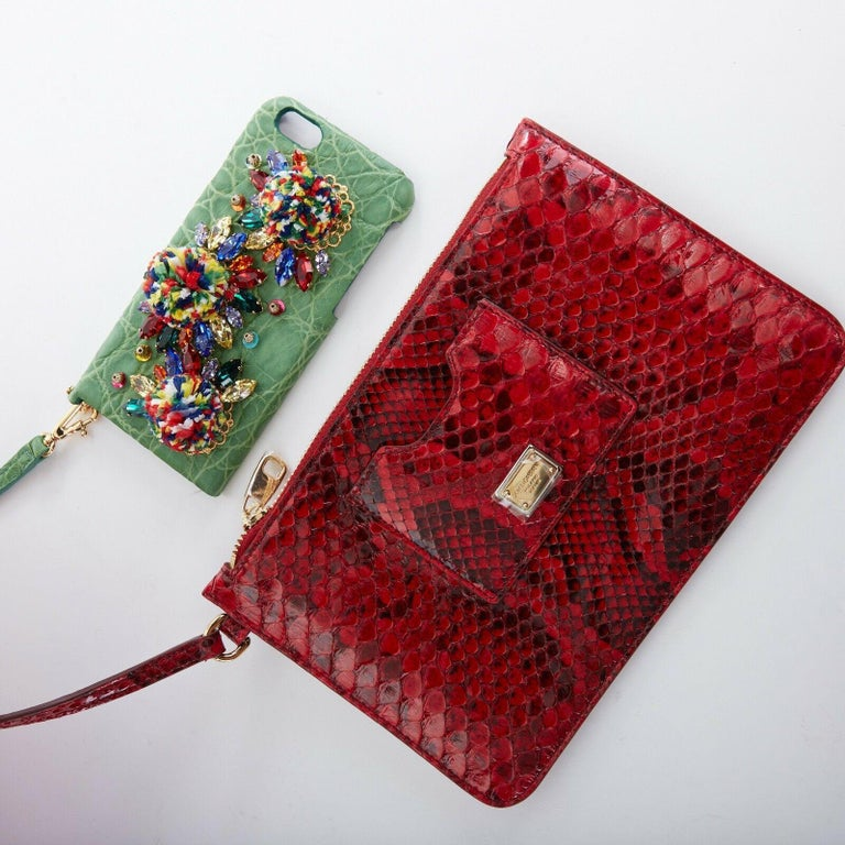 DOLCE GABBANA SS16 red pom pom embellished wicker basket pouch iphone case bag For Sale 7