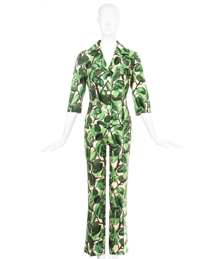 Dolce & Gabbana white and green foliage print silk linen pant suit. Fitted jacket with cropped sleeves and slim fit pants.  Spring-Summer 1997