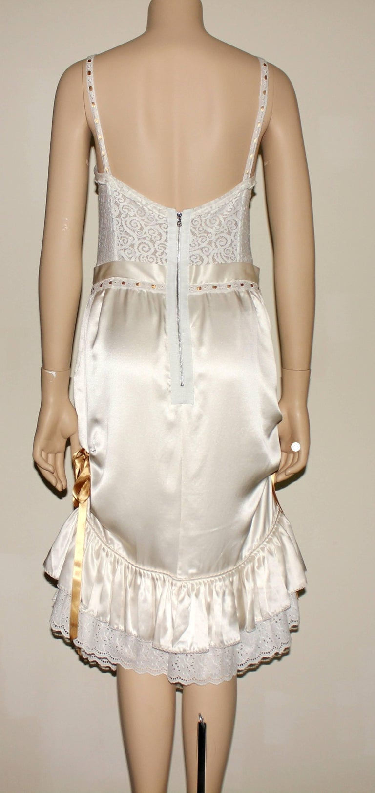 Dolce & Gabbana White Corset Lace Silk Eyelet Dress In New Condition For Sale In Switzerland, CH