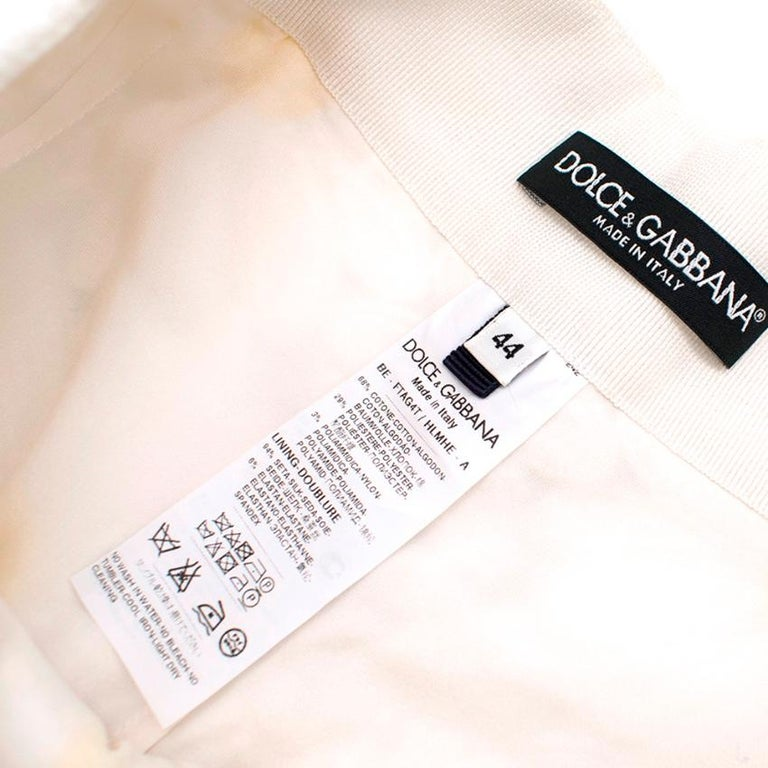 Women's Dolce & Gabbana White Daisy Applique Shorts 44 M For Sale
