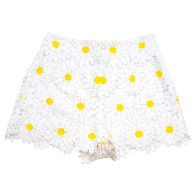 Dolce & Gabbana White Daisy Applique Shorts 44 M For Sale