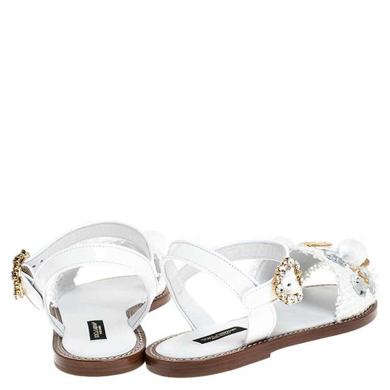 Dolce & Gabbana White Patent Leather & Crystal Embellished Flat Sandal Size 37.5 In New Condition For Sale In Dubai, Al Qouz 2