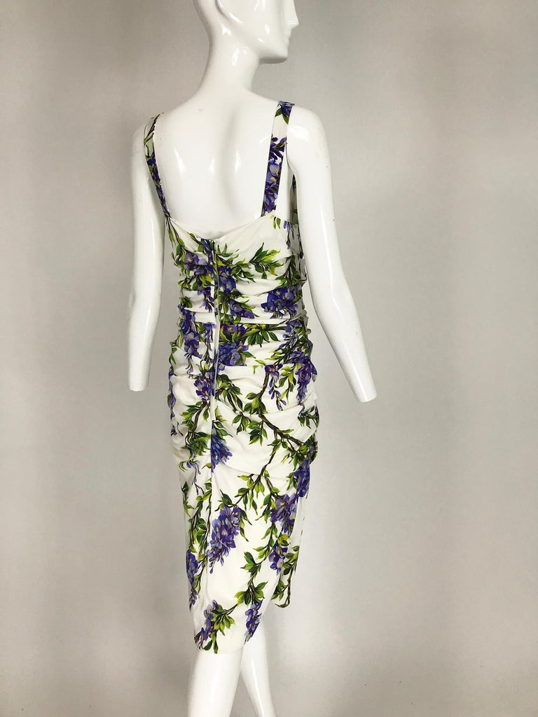 Dolce & Gabbana Wisteria Print Side Ruched Dress in White & Lavender In Excellent Condition For Sale In West Palm Beach, FL
