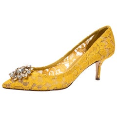 Dolce & Gabbana Yellow Lace Bellucci Crystal Embellished Pointed Toe Pumps 40