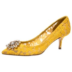 Dolce & Gabbana Yellow Lace Bellucci Crystal Pointed Toe Pumps Size 40