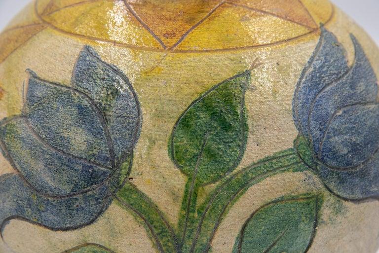 Dolores Porras Mexican Antique Rustic Vase Terracotta Clay Handmade in Oaxaca In Good Condition For Sale In Queretaro, Queretaro