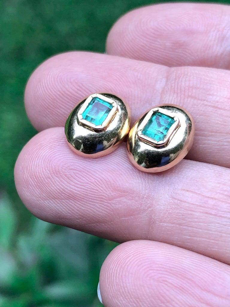 Modern Dome Earrings Colombian Emerald 18 Karat Gold For Sale