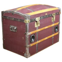 Dome-Topped Trunk with Bluetooth Loudspeakers