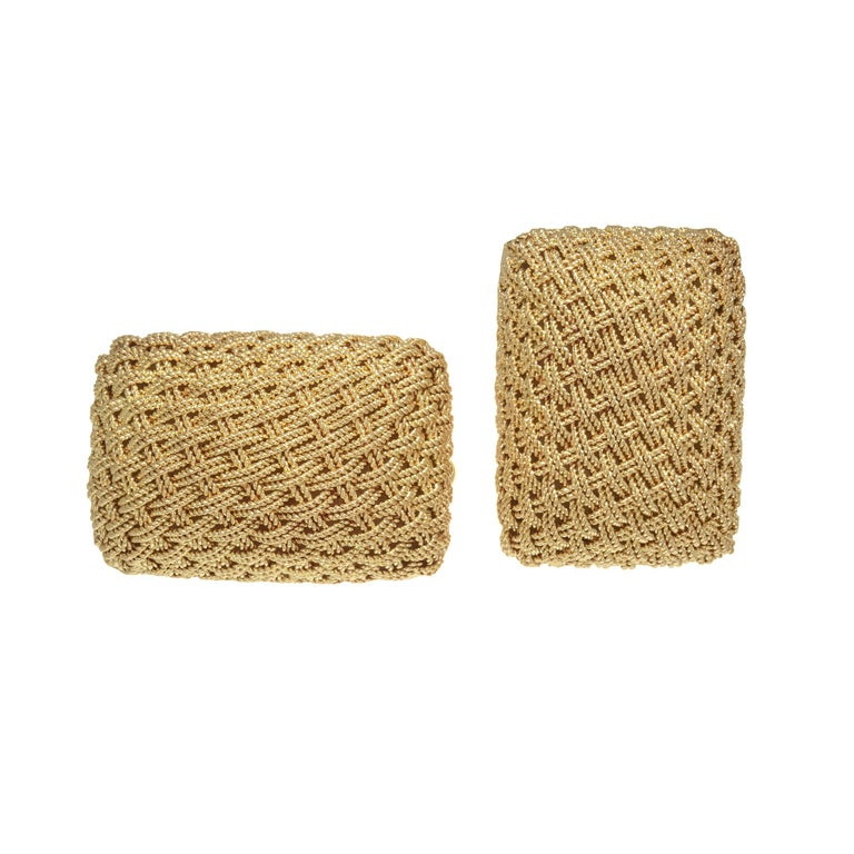 Handmade rectangular domed mesh Italian 18k yellow gold Cufflinks.  18k Yellow Gold  Stamped: 18k Hallmark: Italy  17.3 grams Top to bottom: 15.2mm or 9/16 Inch Width: 22.3mm or 13/16 Inch Depth or thickness: 8.7mm