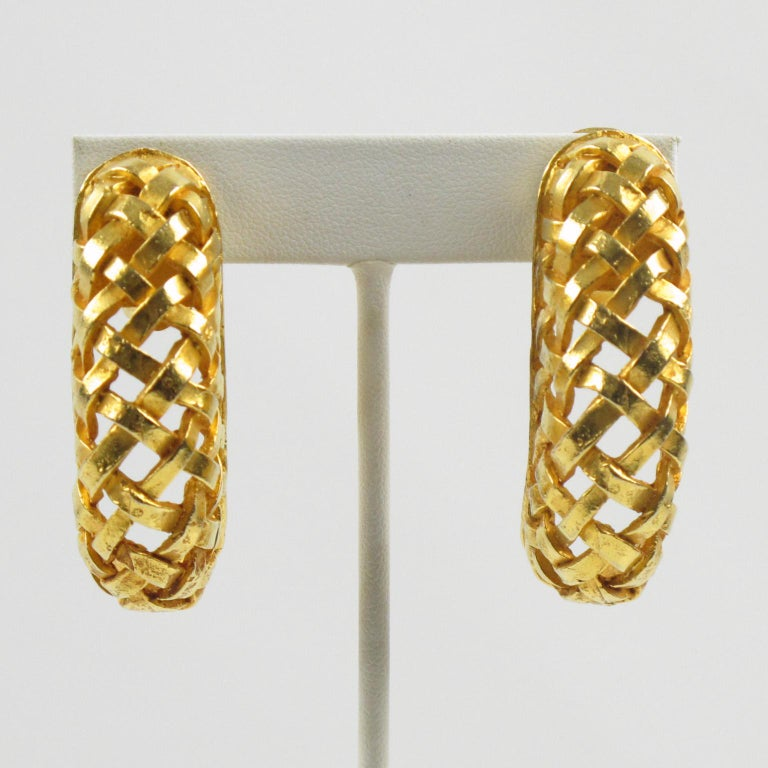 Dominique Aurientis Gilt Metal Braided Clip Earrings In Excellent Condition For Sale In Atlanta, GA