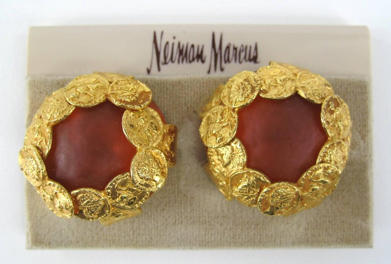 Large Gripoix Clip on earrings Measuring 1.25 in in diameter. Dominique Aurientis started her career in the Dior atelier, moving on to the houses of Chanel, Givenchy, Lavin, Ferragamo, Pucci and Celine This French jewelry designer has a vast