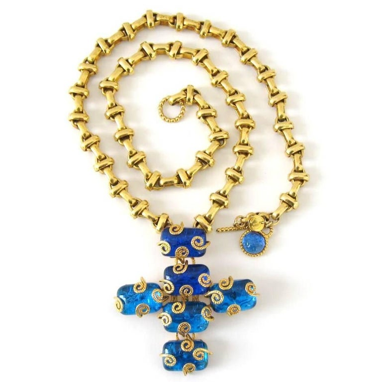 Stunning 1980s Aurientis Maltese Cross Necklace. This is both a Necklace Pendant which you can remove and wear as a Brooch. This is from the 1980s however its been stored away till now, never worn. Beautiful Aurientis Byzantine style necklace with a
