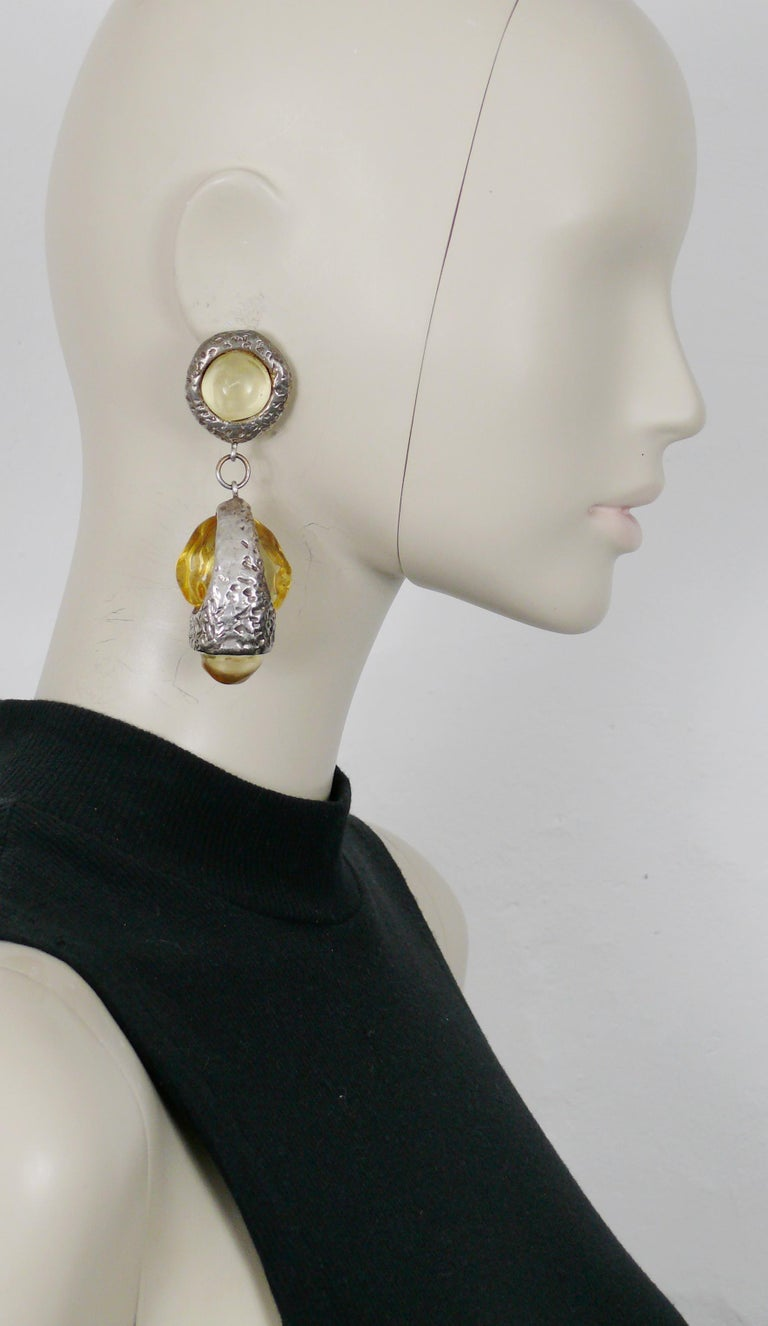 Dominique Denaive Vintage Silver Toned Yellow Resin Necklace and Earrings Set For Sale 8