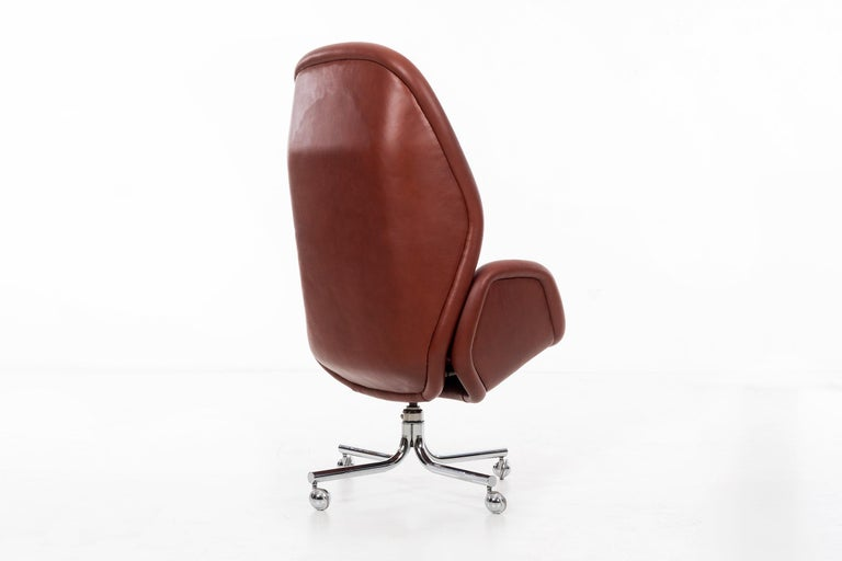 Late 20th Century Domore Executive Desk Chair For Sale