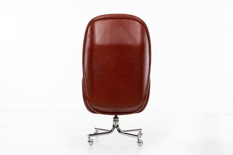 Leather Domore Executive Desk Chair For Sale